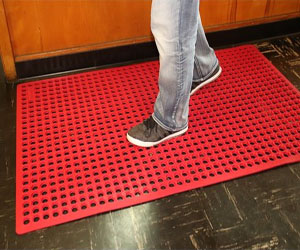 K-Series Comfort Tract Rubber Drainage Mats